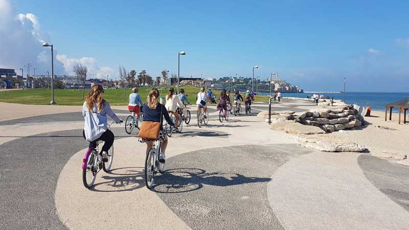 Riding through Tel Aviv's Promenade